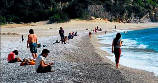 Fethiye'ye yaz geldi sahiller dolup taştı
