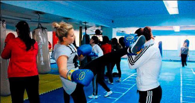 Kadınlara ücretsiz boks eğitimi