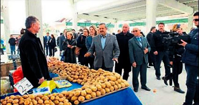 Pazaryeri festival havasında açıldı