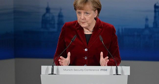 Merkel'den Avrupa Ordusuna destek