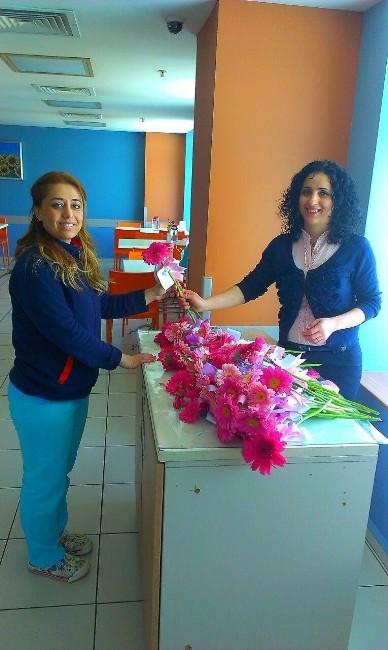 Acıbadem 8 Mart Kadınlar Gününü Kutladı