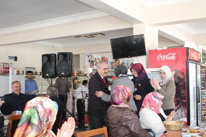 AK Parti Kadın Kolları 8 Mart Dünya Kadınları Günü Programı Düzenledi
