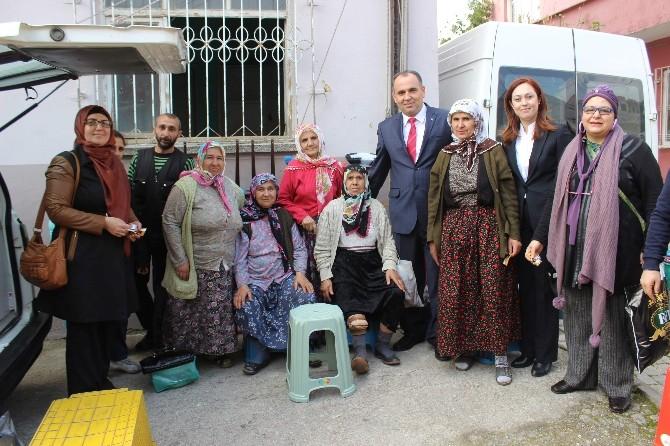 AK Partili Akademisyen Aday Oğurlu, Kadınlarla Bir Araya Geldi