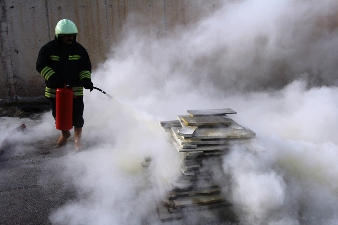 Bayburt Belediyesi'nden Yangınla Mücadele Kursu