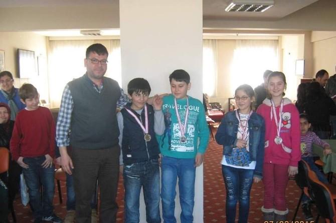 Bozüyük'te Çocuk Ligi Satranç Turnuvası Yapıldı