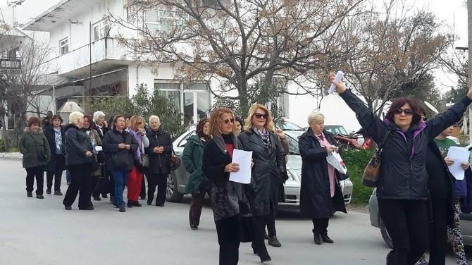 CHP'li Kadınlar Mumcular'da Bir Araya Geldi