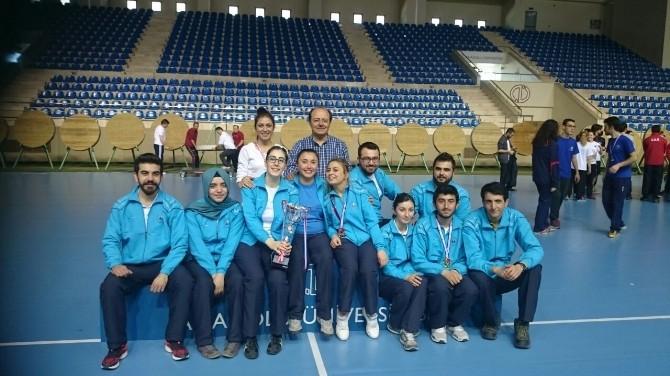 Erciyes Üniversitesi, Okçulukta Kupa Ve Madalyaları Topladı