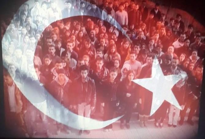 İstiklal Marşı'nın 10 Kıtasını Sokakta Okuttular