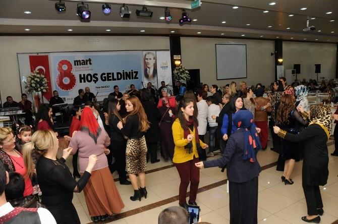 Kırşehir'de Kadınlar Belediye'nin Etkinliği İle Eğlendi