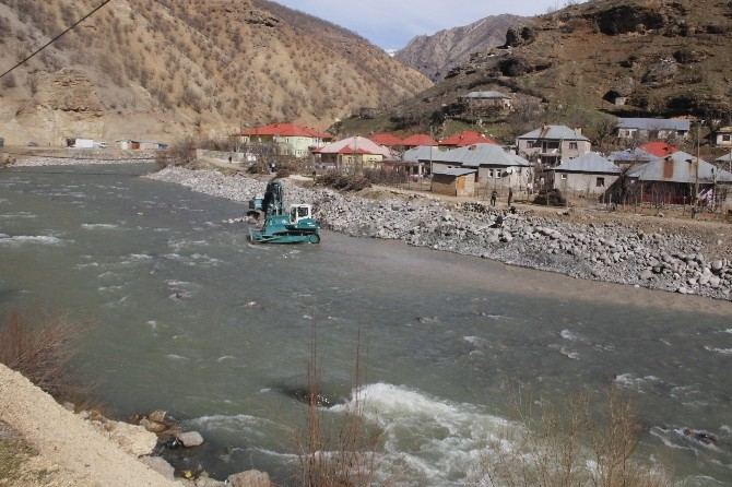 Zap Suyu Debisinin Düşmesi Yöre Halkını Endişelendirdi
