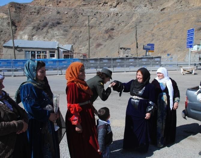 Jandarmadan Kadınlara 8 Mart Sürpriz