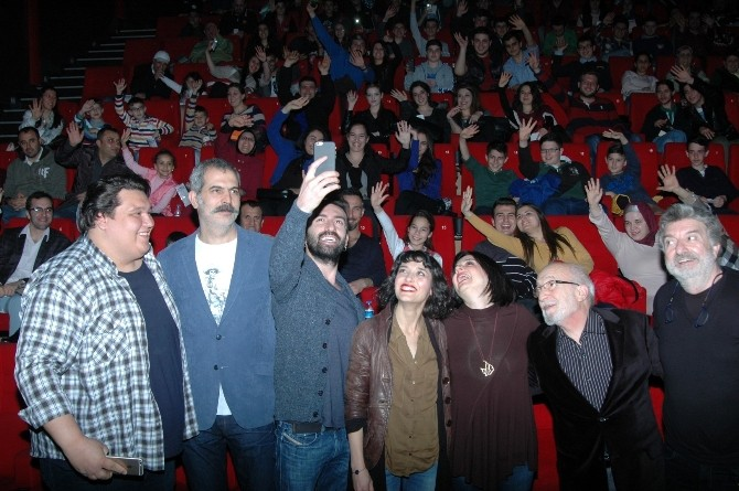Çarşı Pazar Galasını Bursa'da Yaptı