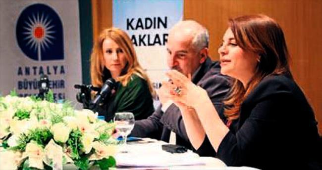 Kadın hakları masaya yatırıldı
