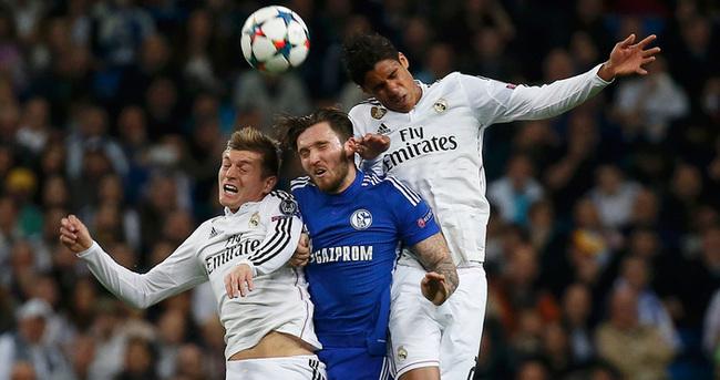 Real Madrid Schalke 04 maçı özeti ve golleri (REAL BİLETİ KAPTI)