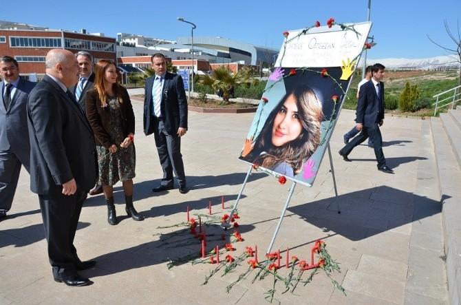 Üniversite Öğrencileri 'Kadına Şiddete Hayır' Dediler