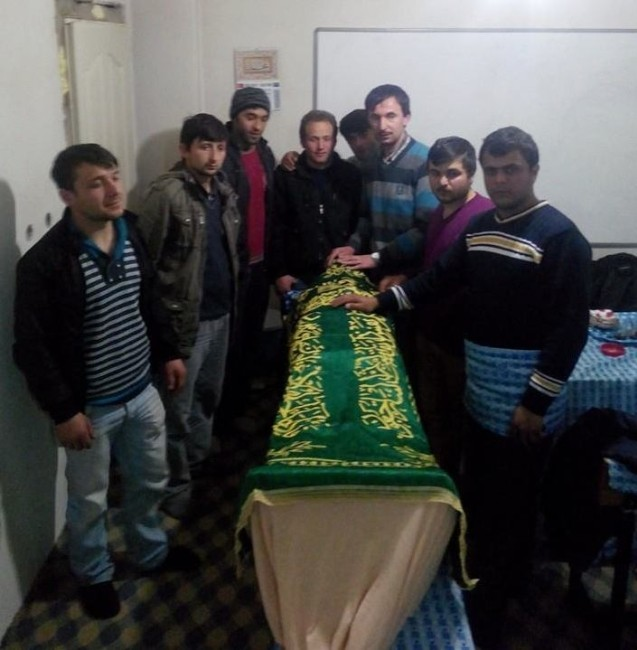 Cenaze Yıkama Kursuna Gençlerden Yoğun İlgi