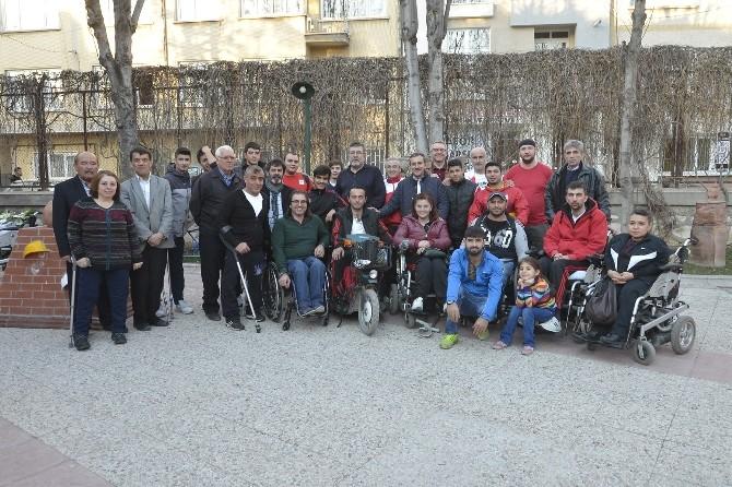 Tekerlekli Sandalye Basketbol Takımları Bir Arada