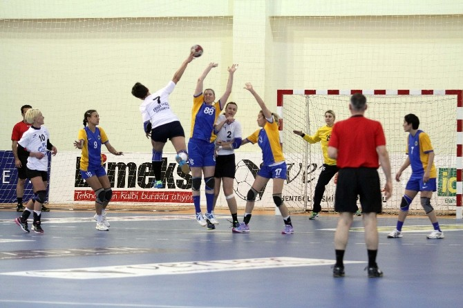Hentbol Bayanlar Süper Ligi