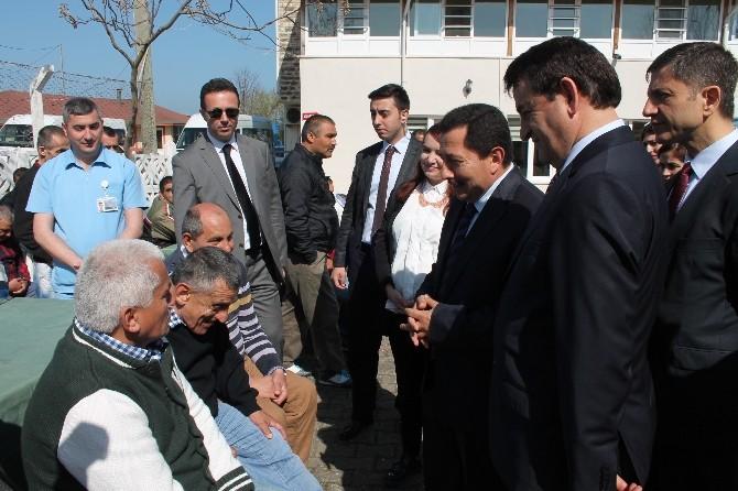 """Vali İrfan Balkanlıoğlu: """"İmkan Devletten, Sevgi Sizden"""""""