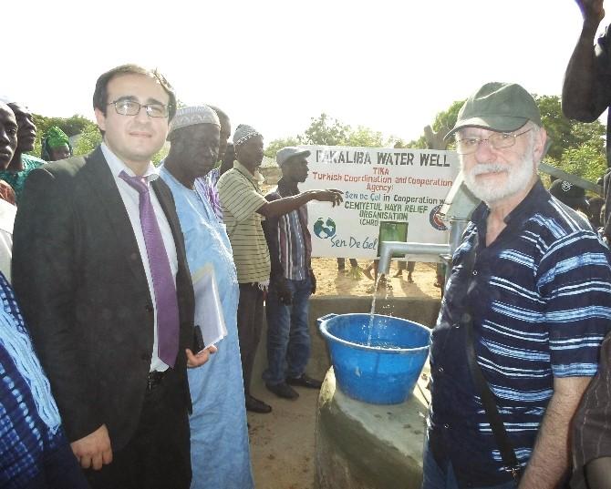 Gambiya'da 5 Bin İnsanın Temiz Suya Erişimi Sağlandı