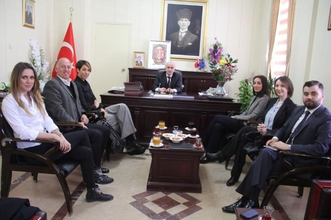 Türkiye Milli Olimpiyat Komitesi Heyeti Vali Odabaş'ı Ziyaret Etti
