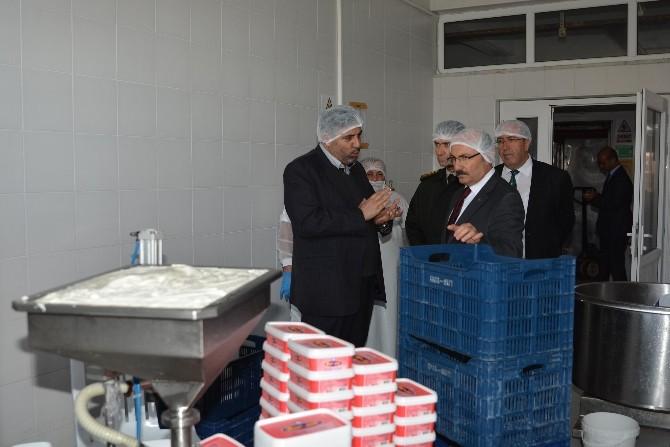 Vali Kürklü, Organize Sanayi Bölgesini Ziyaret Etti