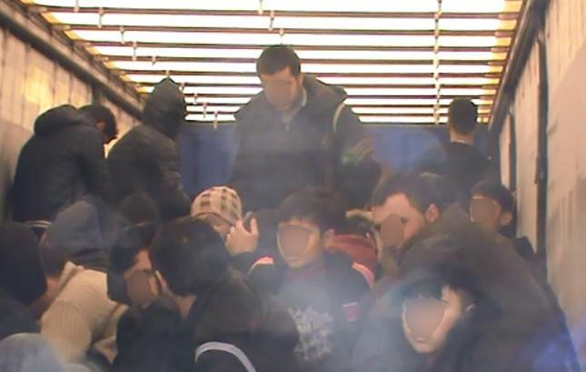 70 Kaçak Göçmenin Avrupa Hayali Edirne'de Son Buldu