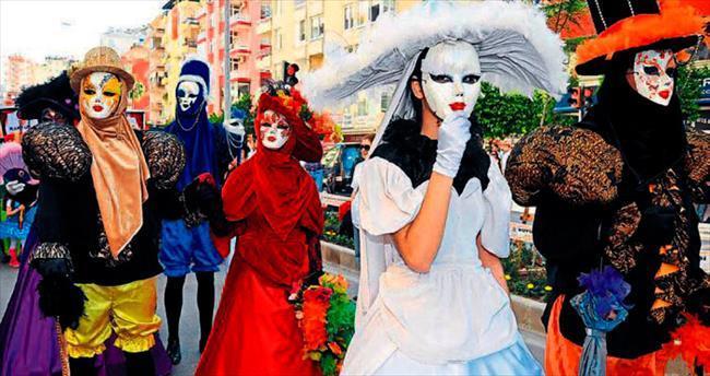 Karnavalda yaratıcı kostümler yarışacak