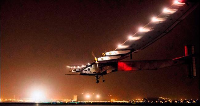 Yakıtsız uçak Hindistan'a ulaştı
