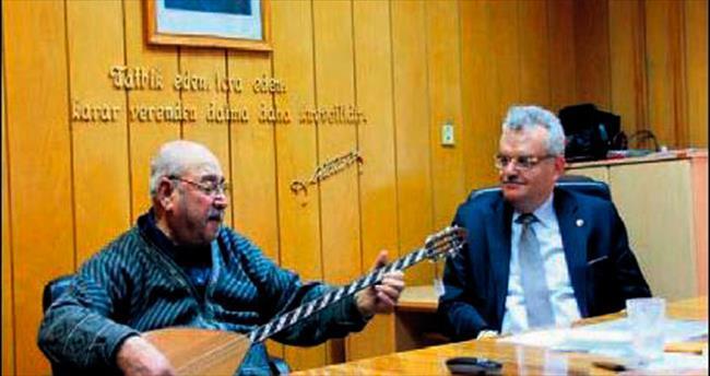 Saz sanatçısı Zeki Babadağ, hayatını kaybetti