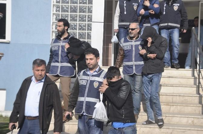 5 Ayrı Evi Soyan Hırsızlar Polisten Kaçamadı