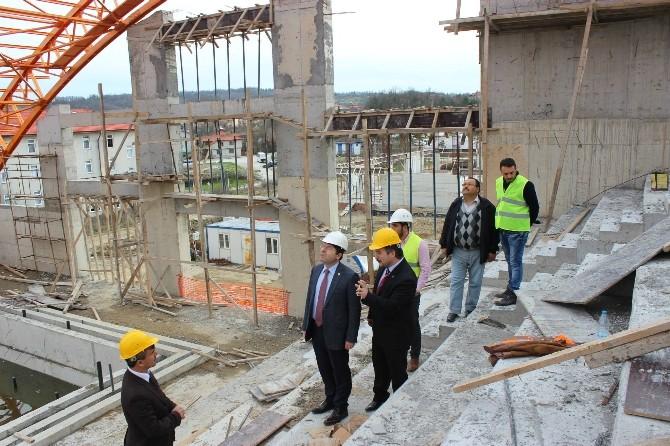 Milletvekili Yılmaz Tunç, Bartın Kapalı Yüzme Havuzu İnşaatını İnceledi