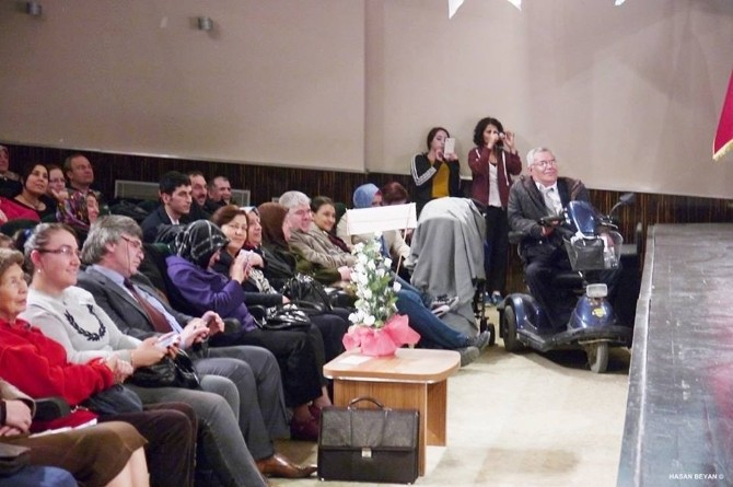 Bozüyük Engelliler Derneği Üyeleri Eskişehir'i Gezdi