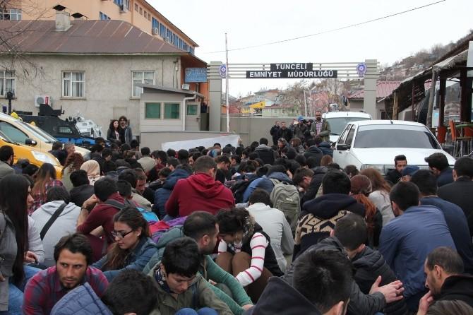 Tunceli'de Üniversite Öğrencileri, Arkadaşlarının Tutuklanmasını Protesto Etti