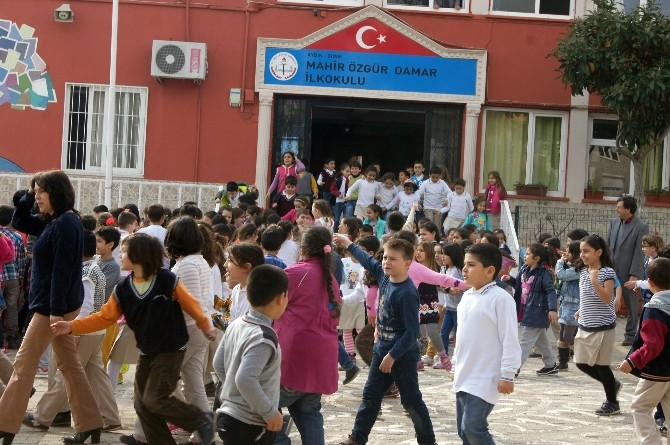 Didim Mahir Özgür Damar İlkokulu'nda Sivil Savunma Tatbikatı