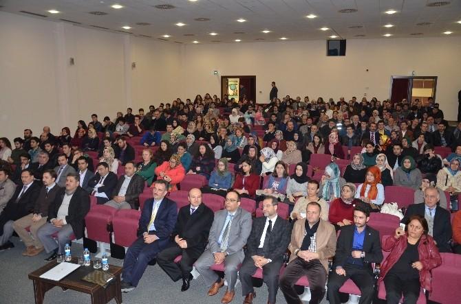 Müftü Ay'dan Üniversitelilere Konferans