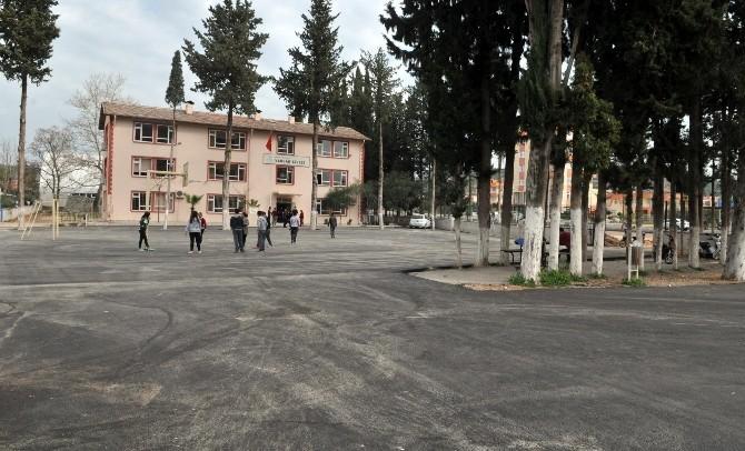 Kepez'de Okulların Bahçe Düzenlemeleri Yapılıyor