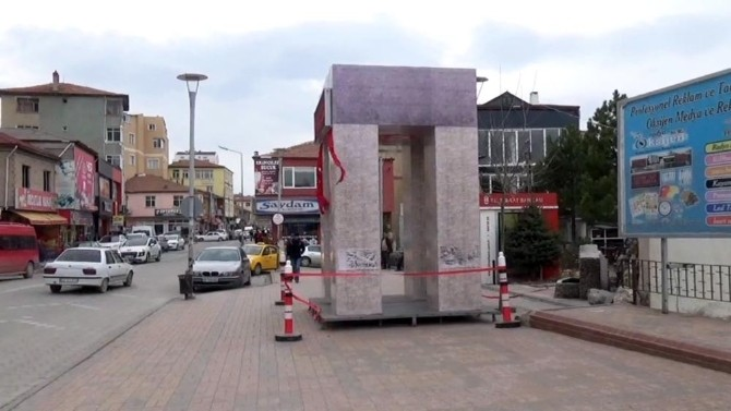 Sorgun'da Çanakkale Şehitler Abidesi Maketi Törenle Açıldı