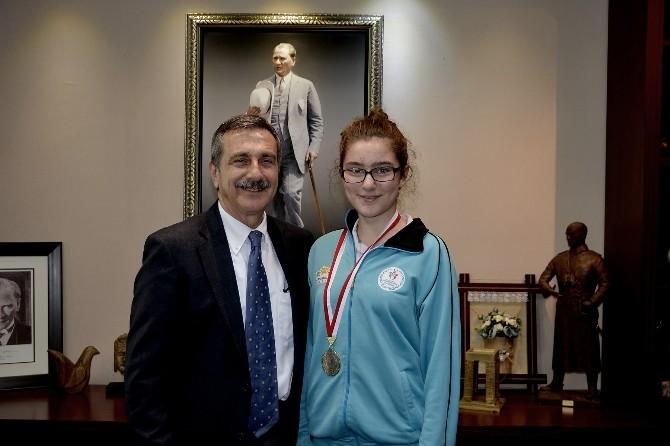 Türkiye Seçmeleri Öncesi Başarılı Sporcudan Başkan Ataç'a Teşekkür Ziyareti
