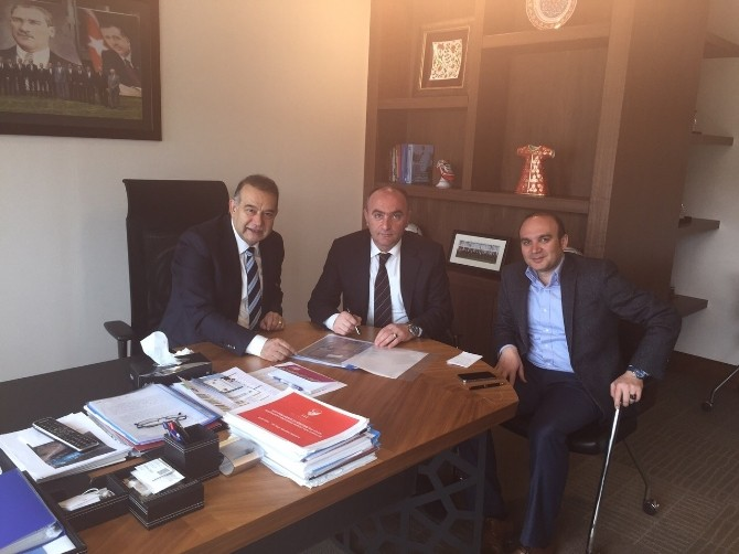 TFF'den Erzurumspor'a Çim Saha