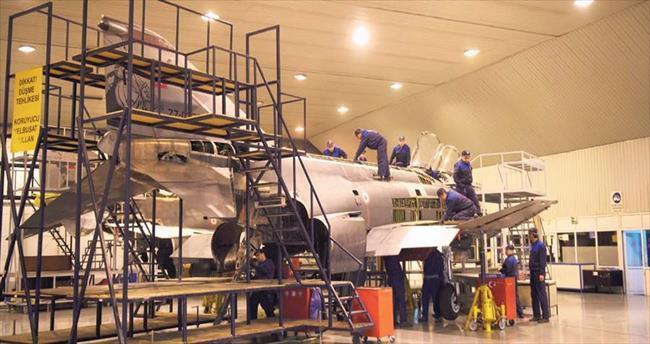 Tartışılan F-4'ler jübileyle emekli