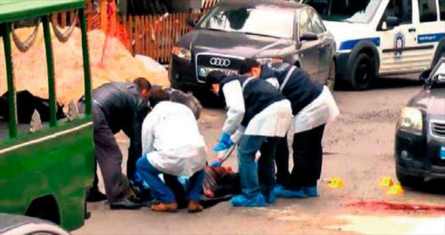 Kan davasından kaçtılar, para için birbirlerini vurdular