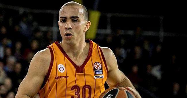 Arroyo Galatasaray'a geri dönüyor