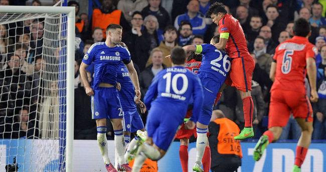 PSG Chelsea'ye patladı