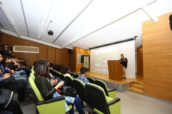 Ekolojik Bina Üniversite Öğrencilerine Tanıtılıyor