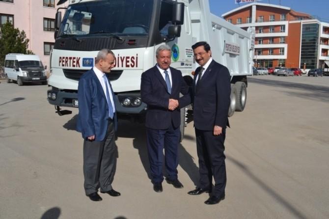 Keçiören Belediyesi'nden Pertek Belediyesi'ne Araç Yardımı