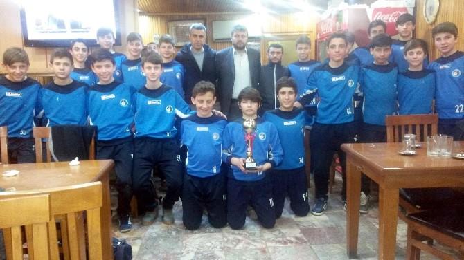 Anadolu Aile Termikspor 3. Kupasını Aldı