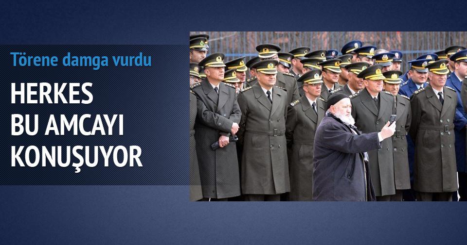 Erzurumlu Kazım Dede'den komutanlarla selfie
