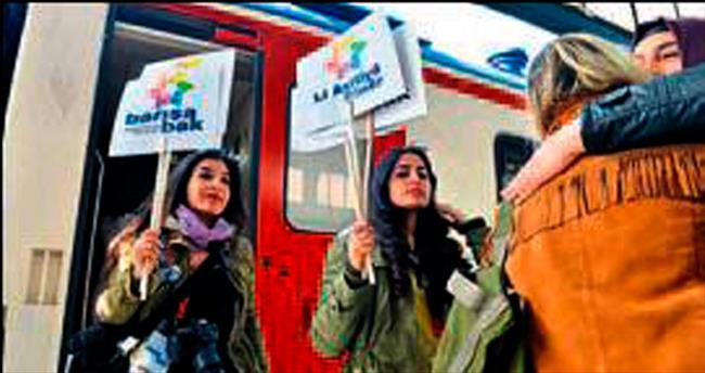 Barış Treni Ankara Garı'nda mola verdi