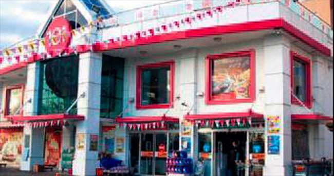 CarrefourSA Antalyalı 1e1'in 29 mağazasını aldı
